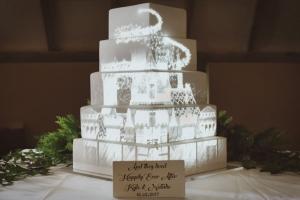 fairytale-disney-castle-wedding-cake-mapping-projection.jpg