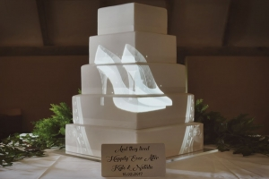 fairytale-disney-cinderella-wedding-cake-mapping-projection.jpg
