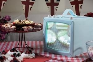 projection-cake-mapping-bake-off-television-cake-luma-bakery.jpg